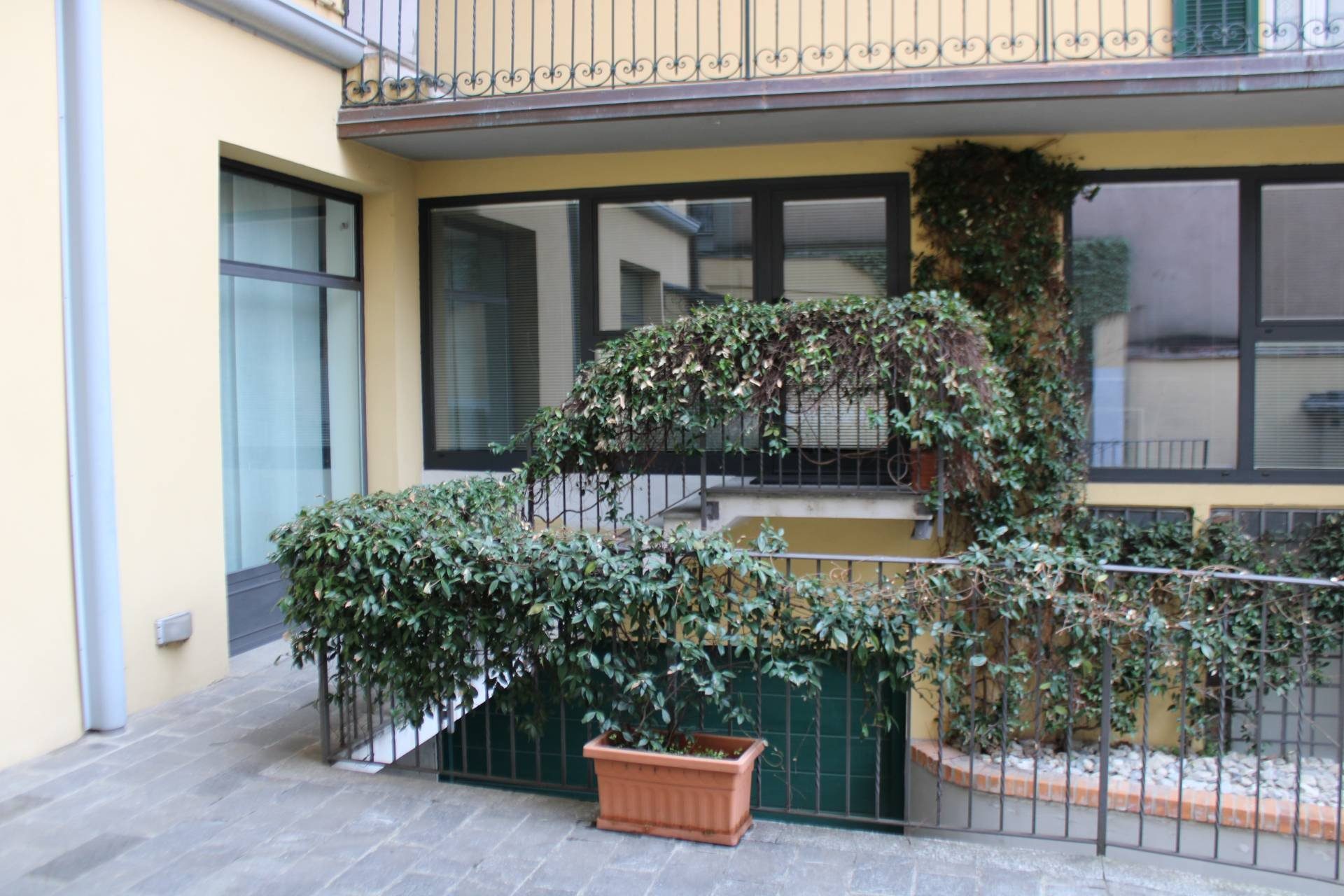 Rental Office - Como - Italy