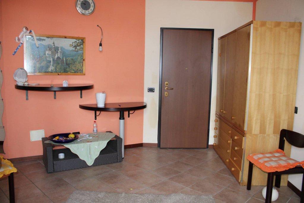 bilocale  e servizi ristrutturato a Como Albate