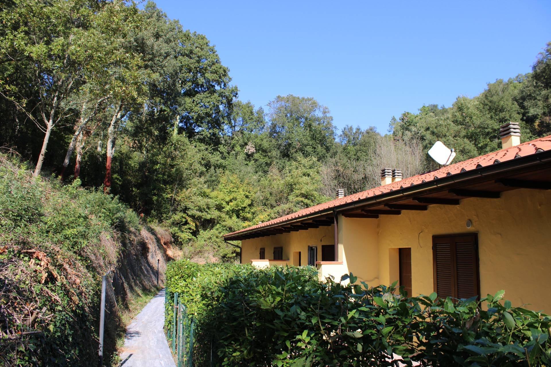 appartamento con giardino in residence a Massa Marittima