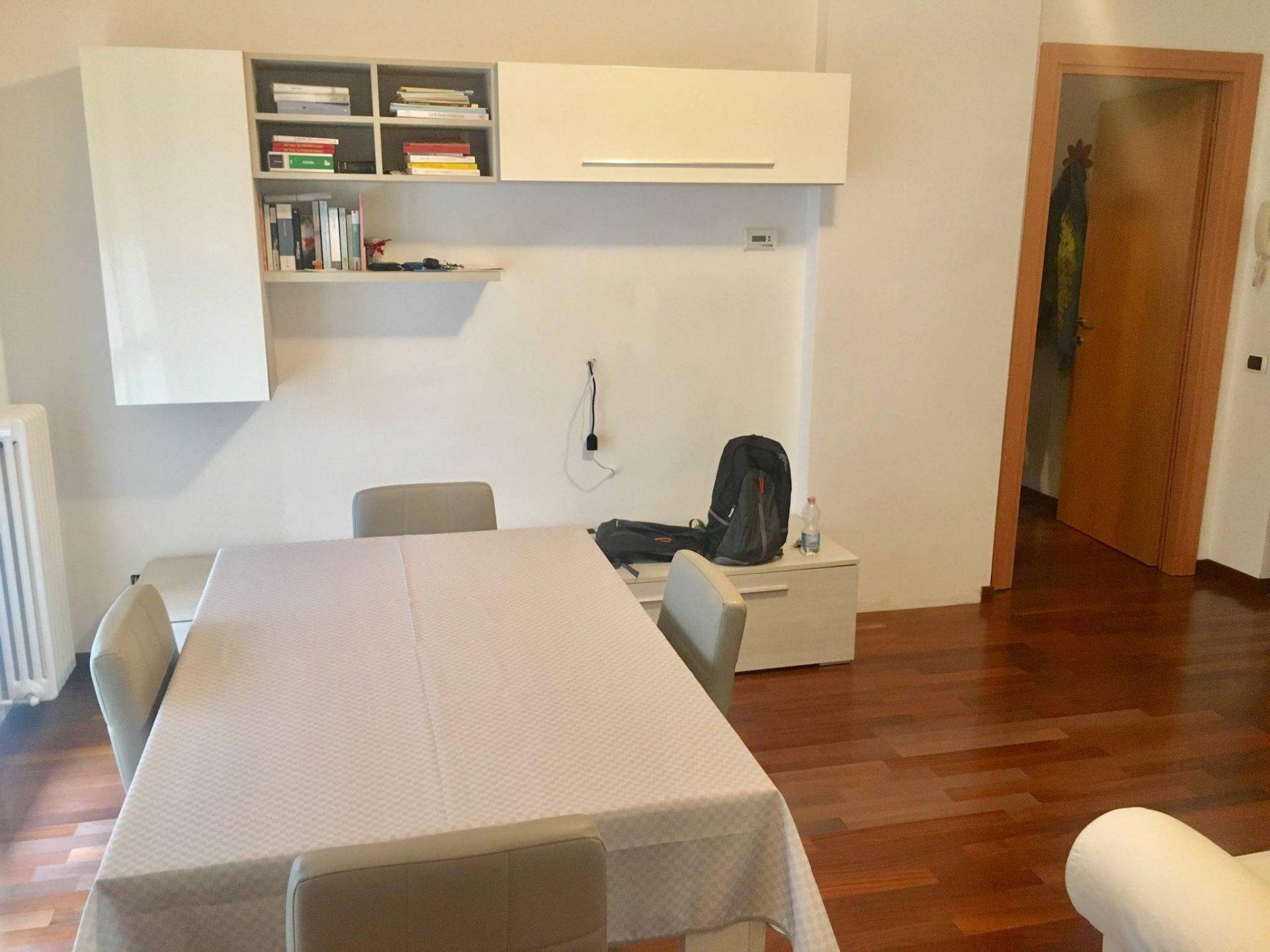 recente bilocale con cucina abitabile e box a Como - Rebbio