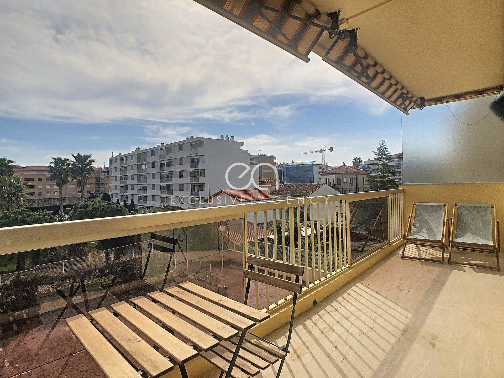 Cannes Palm Beach 1-bedroom - terrace and parking
