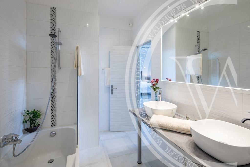 Newly renovated single-story Mediterranean 4 bedroom villa