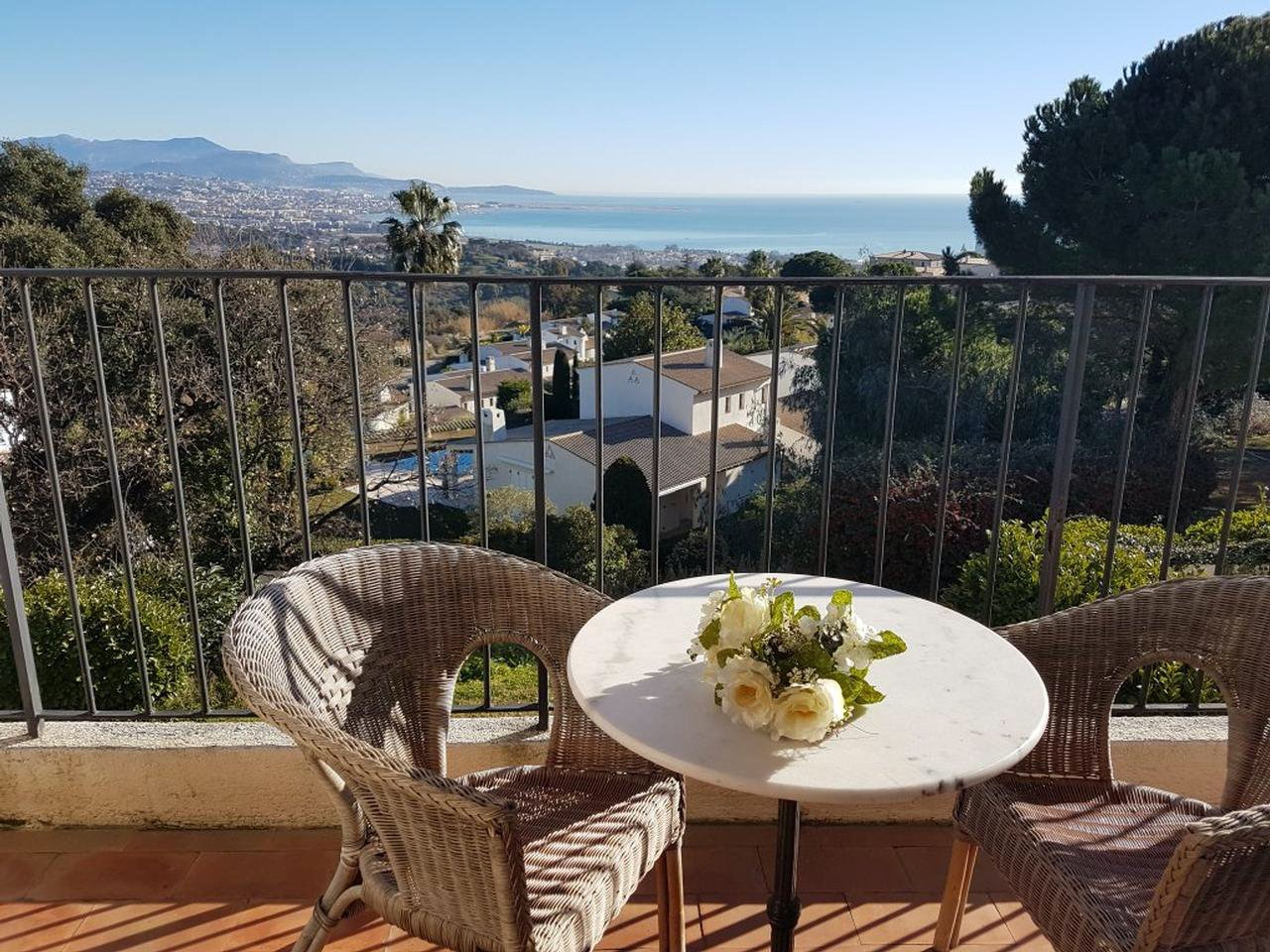 Apartment with amazing views and club access in Villeneuve-Loubet - pool & tennis