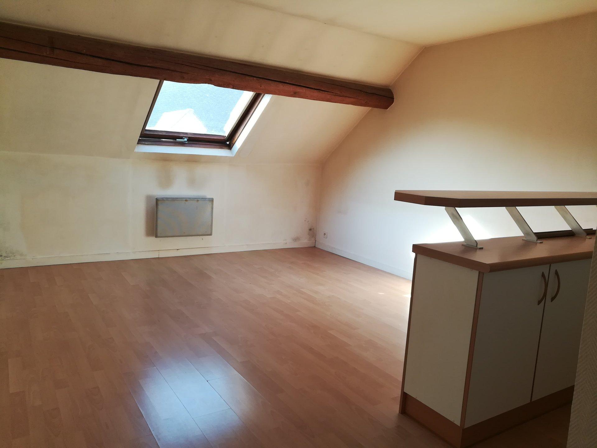 Rental Apartment Le Mesnil-Saint-Denis