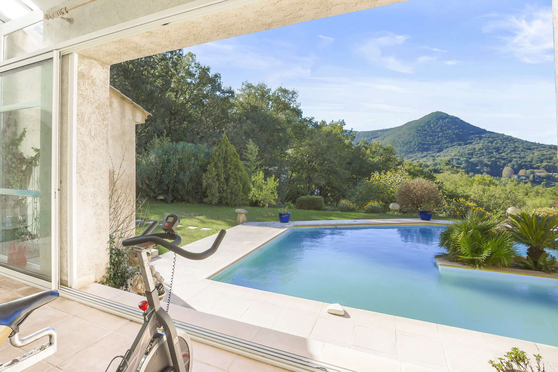 Unspoilt nature property near Cannes