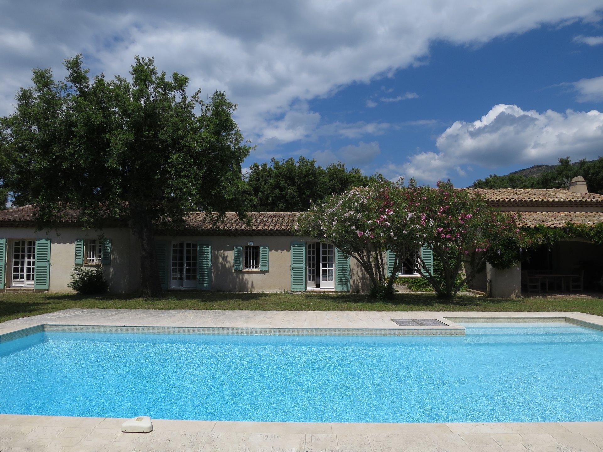 5 BEDROOM VILLA/HOUSE FOR SALE IN LE LAVANDOU