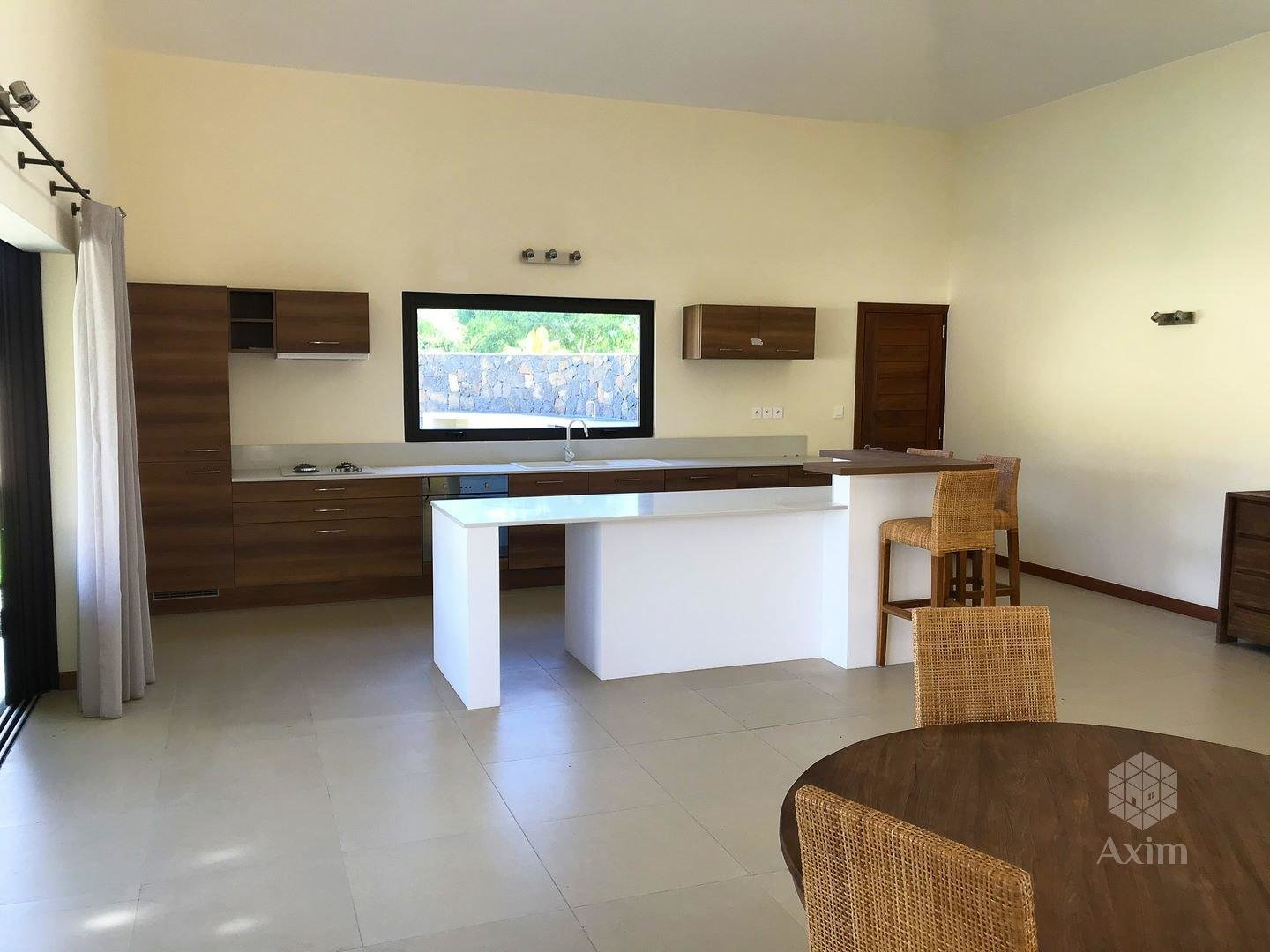 TAMARIN - New luxury villa 4 bedrooms + studio