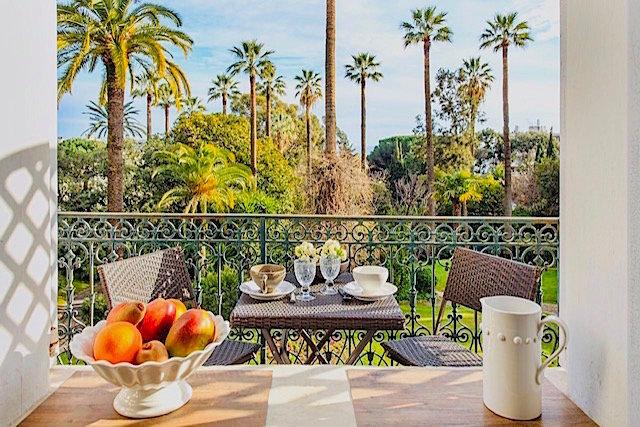 Superbe appartement Belle Époque, vue mer et parc, Cannes