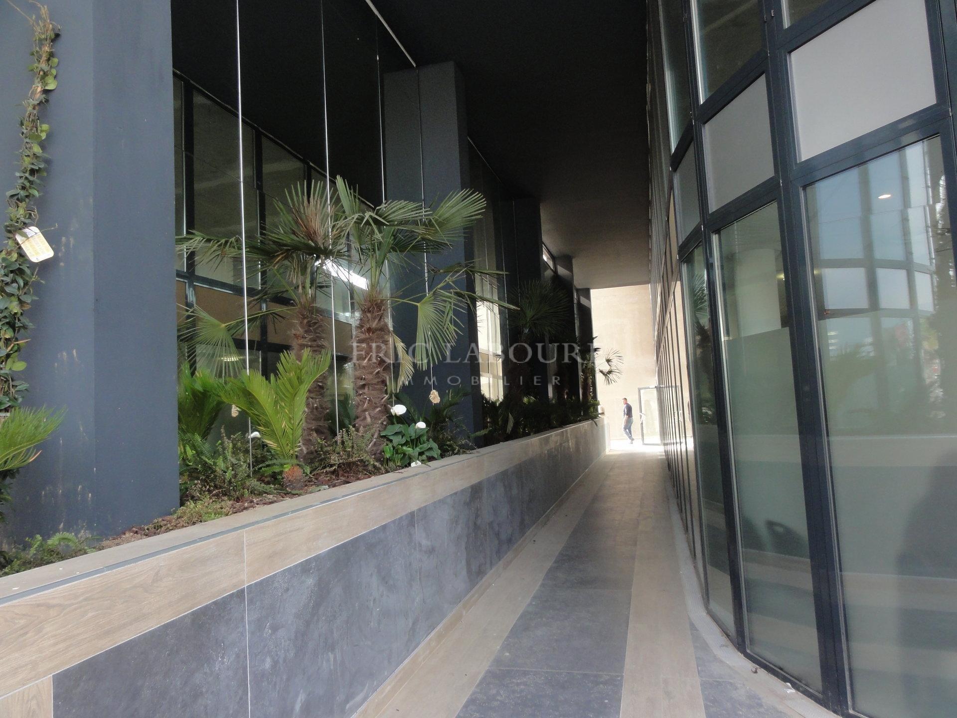 Sale Office - Cannes-la-Bocca