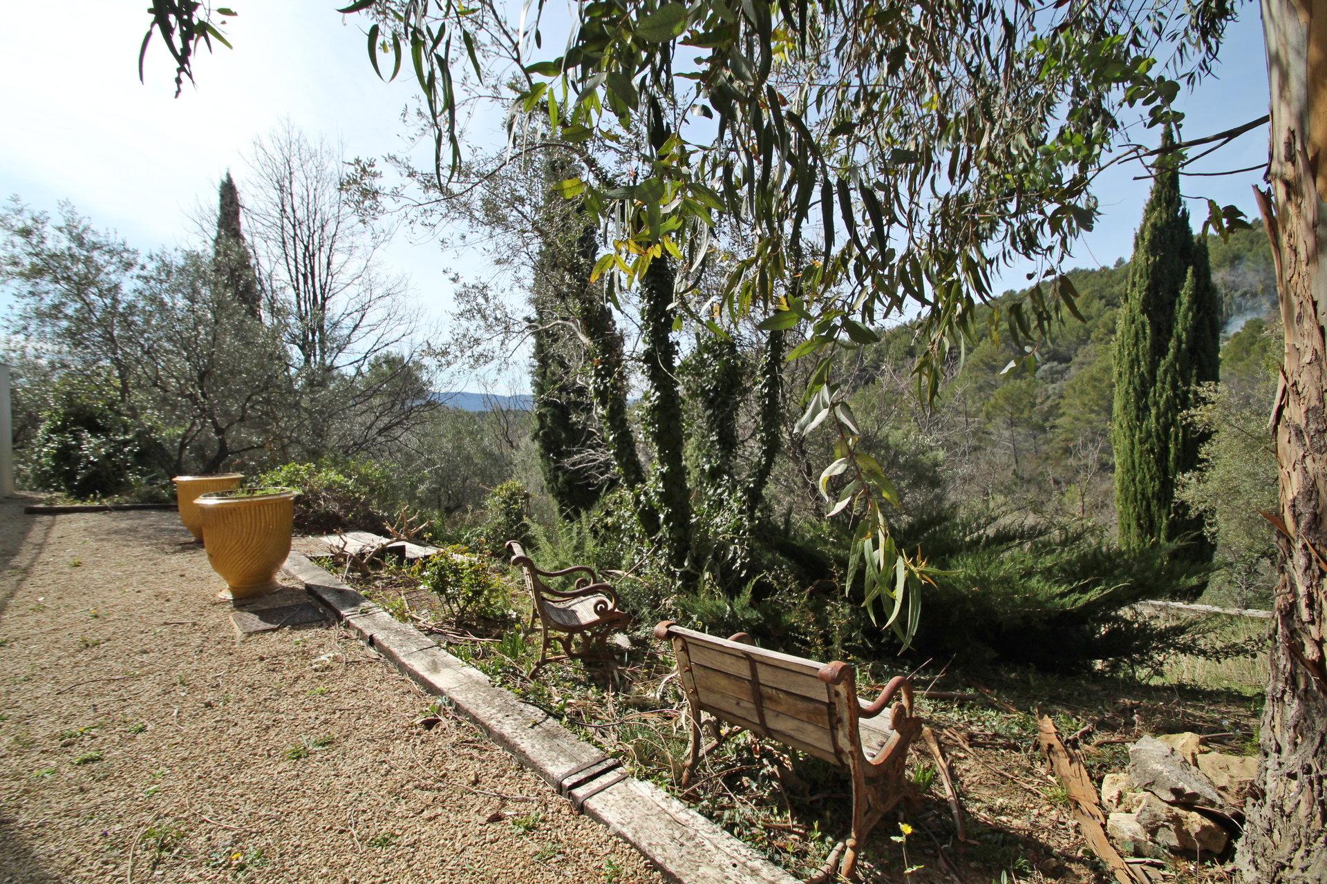 Pays de Fayence dans un havre de paix sur 11000m² de terrain