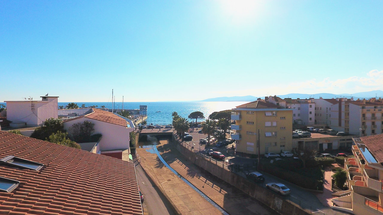 Saint-Raphaël: luxury high standing Penthouse of 169m2  with sea view