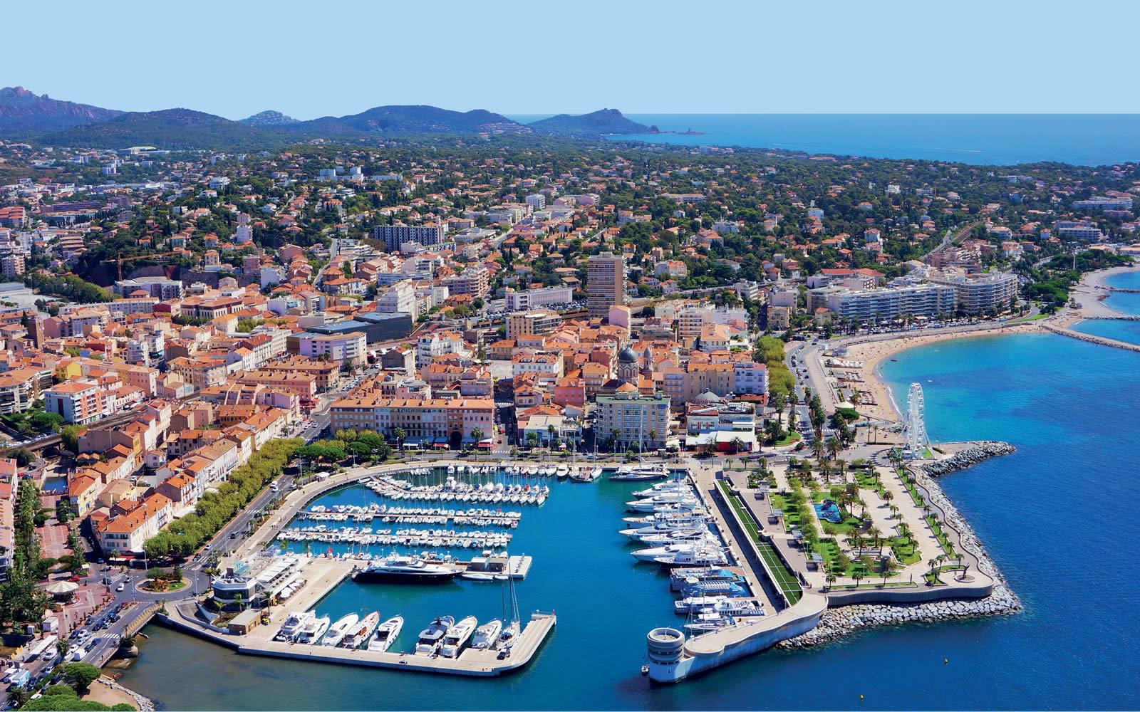 Saint-Raphaël: Penthouse luxueux de 169m2 - haut standing & vue mer
