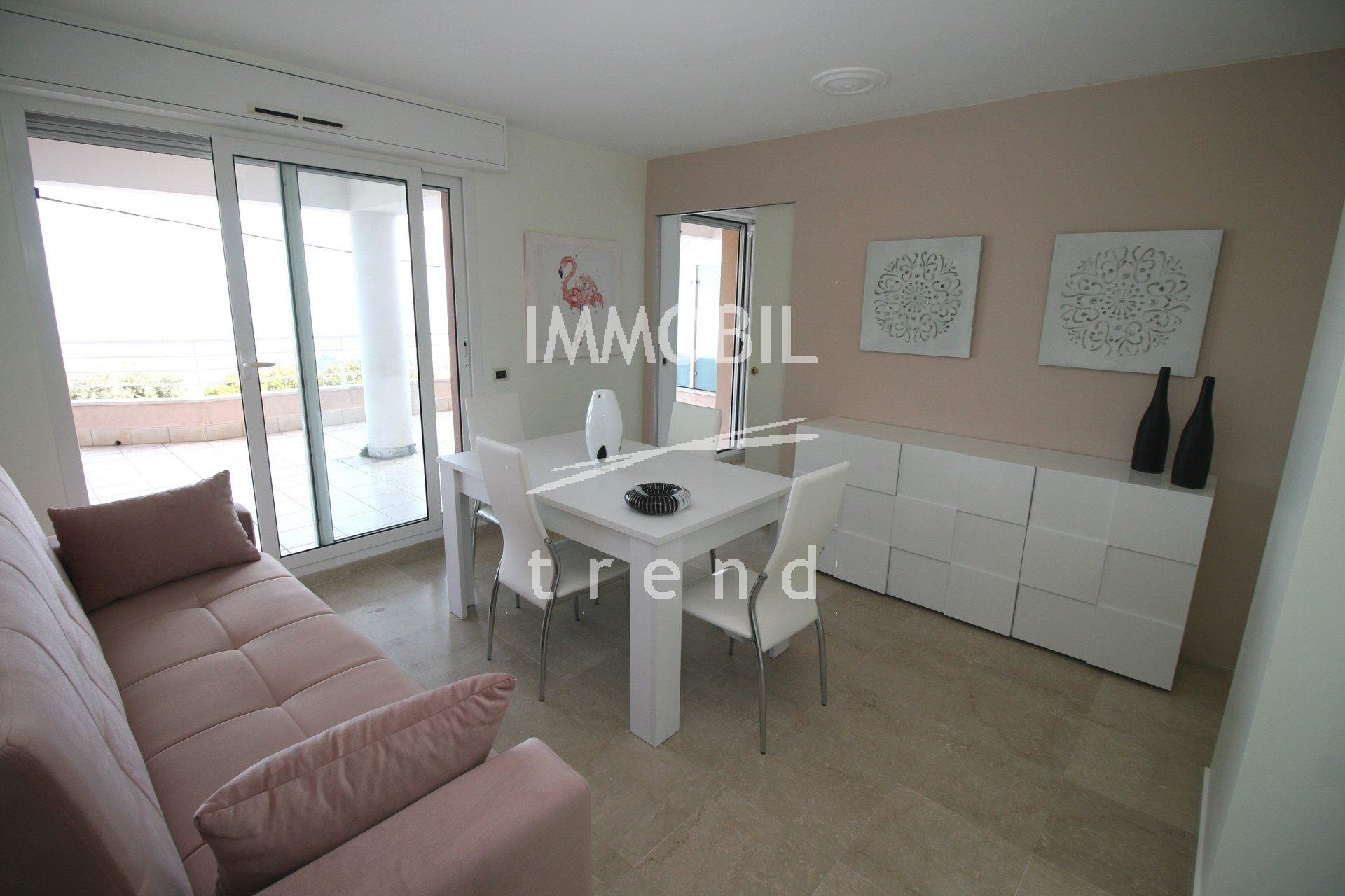 EXCLUSIVITE BEAUSOLEIL MONTECARLO VISTA- APPARTEMENT AVEC UNE TERRASSE DE 66 m2. Parking sous sol.