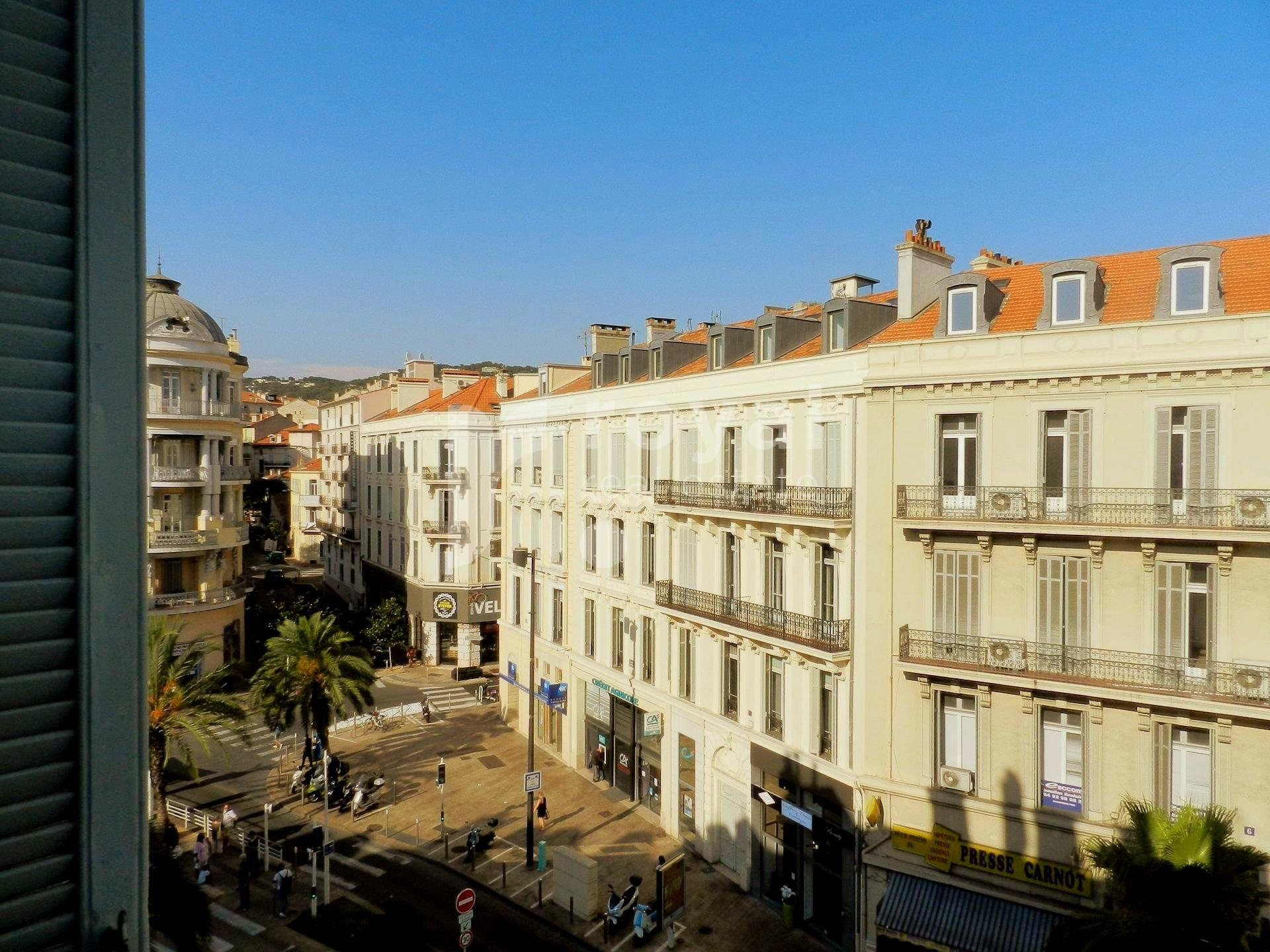 Cannes Center - Spacious Bourgeois Apartment!