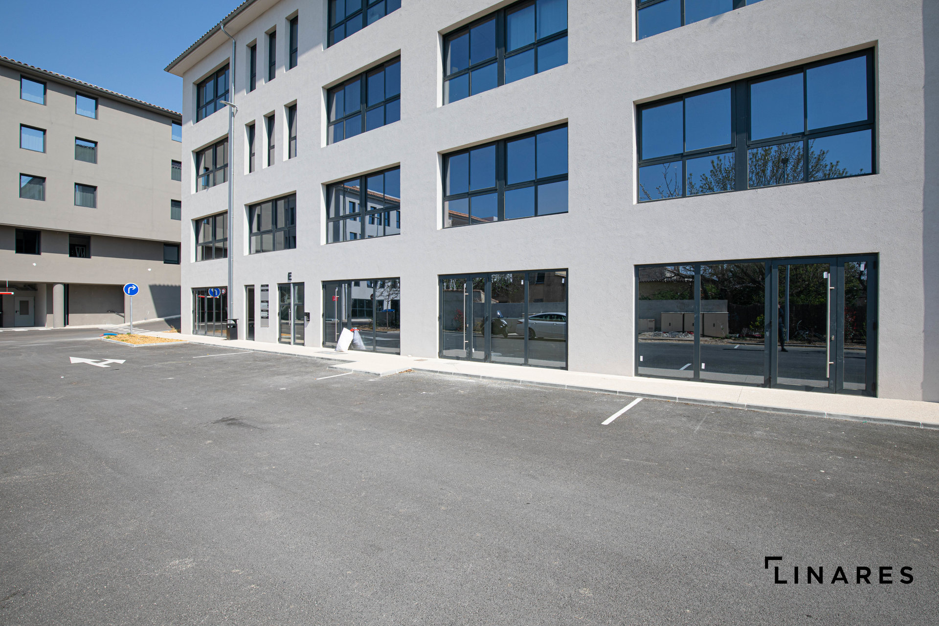 L'AFFAIRISTE  local 100m2 centre d'affaire Alta Rocca Aubagne