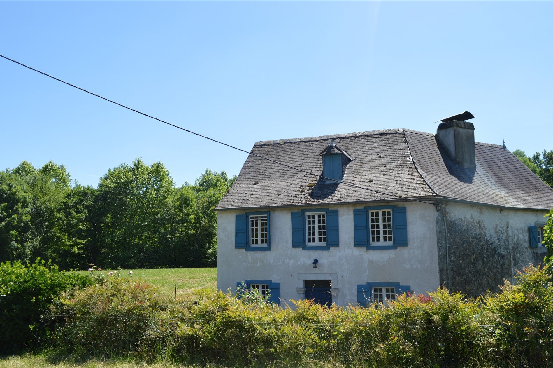 19th century farmhouse with three bedrooms and 2525m2 garden