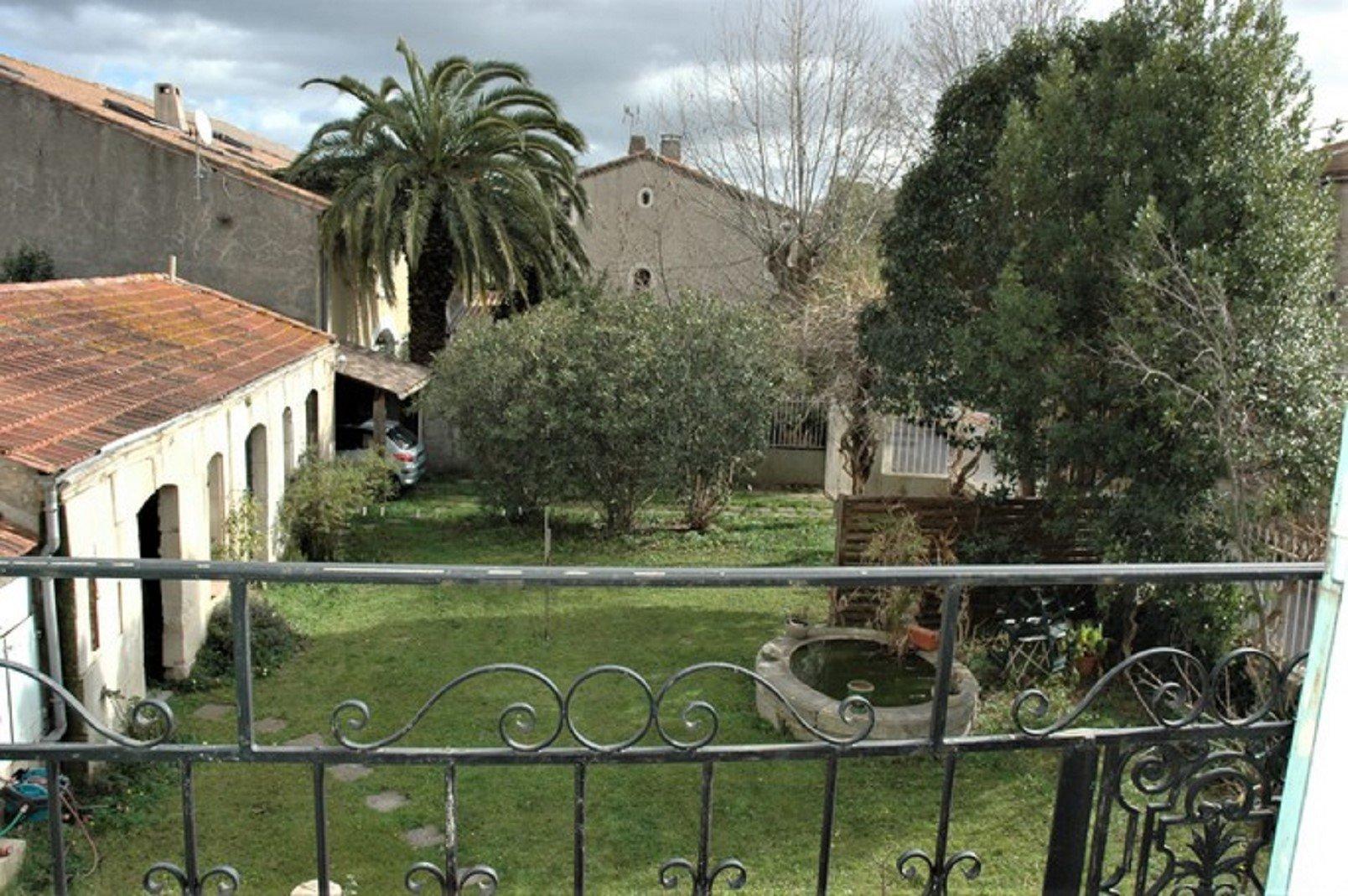 Maison de maître with garden