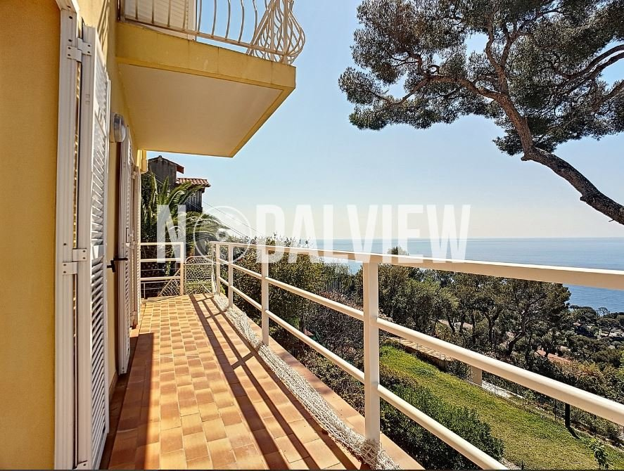 2 bedrooms house with 2 parking space and garden  in Cap d'Ail