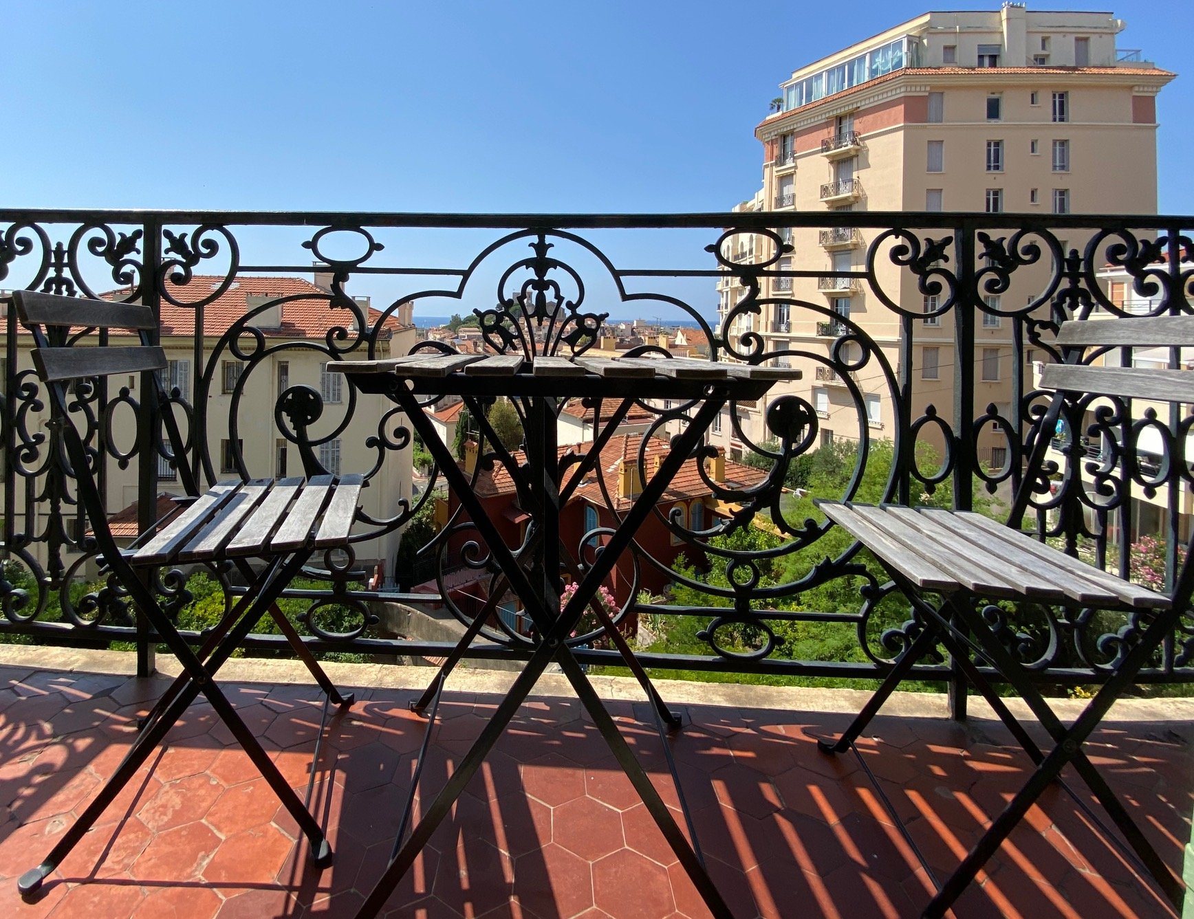 Four bedrooms with sea view, balcony and parking close to the city center - Cannes