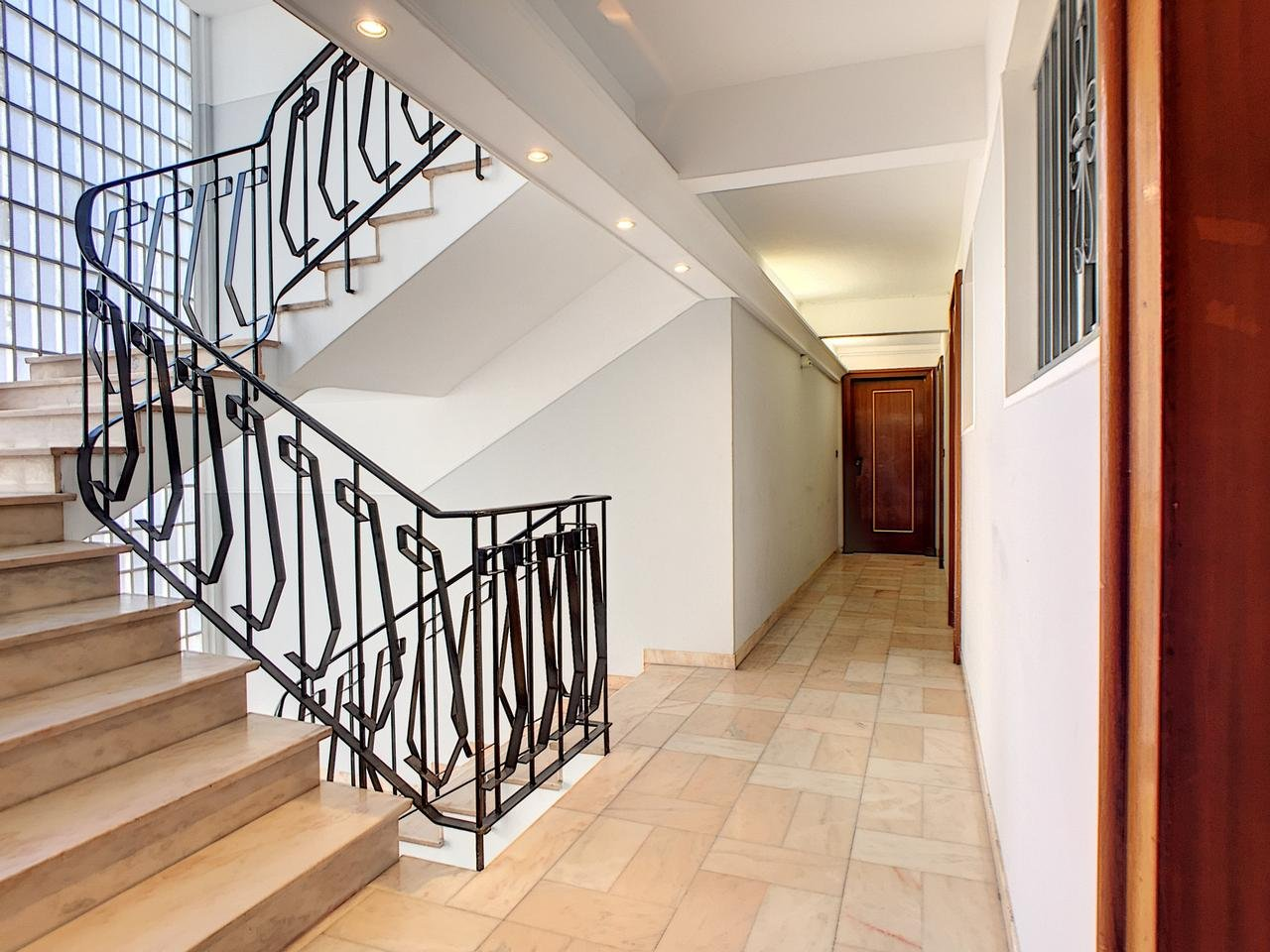 Appartement  2 Rooms 54.11m2  for sale   449 000 €