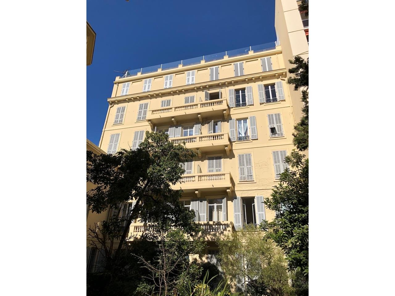 Appartement  3 Rooms 91m2  for sale   670 000 €