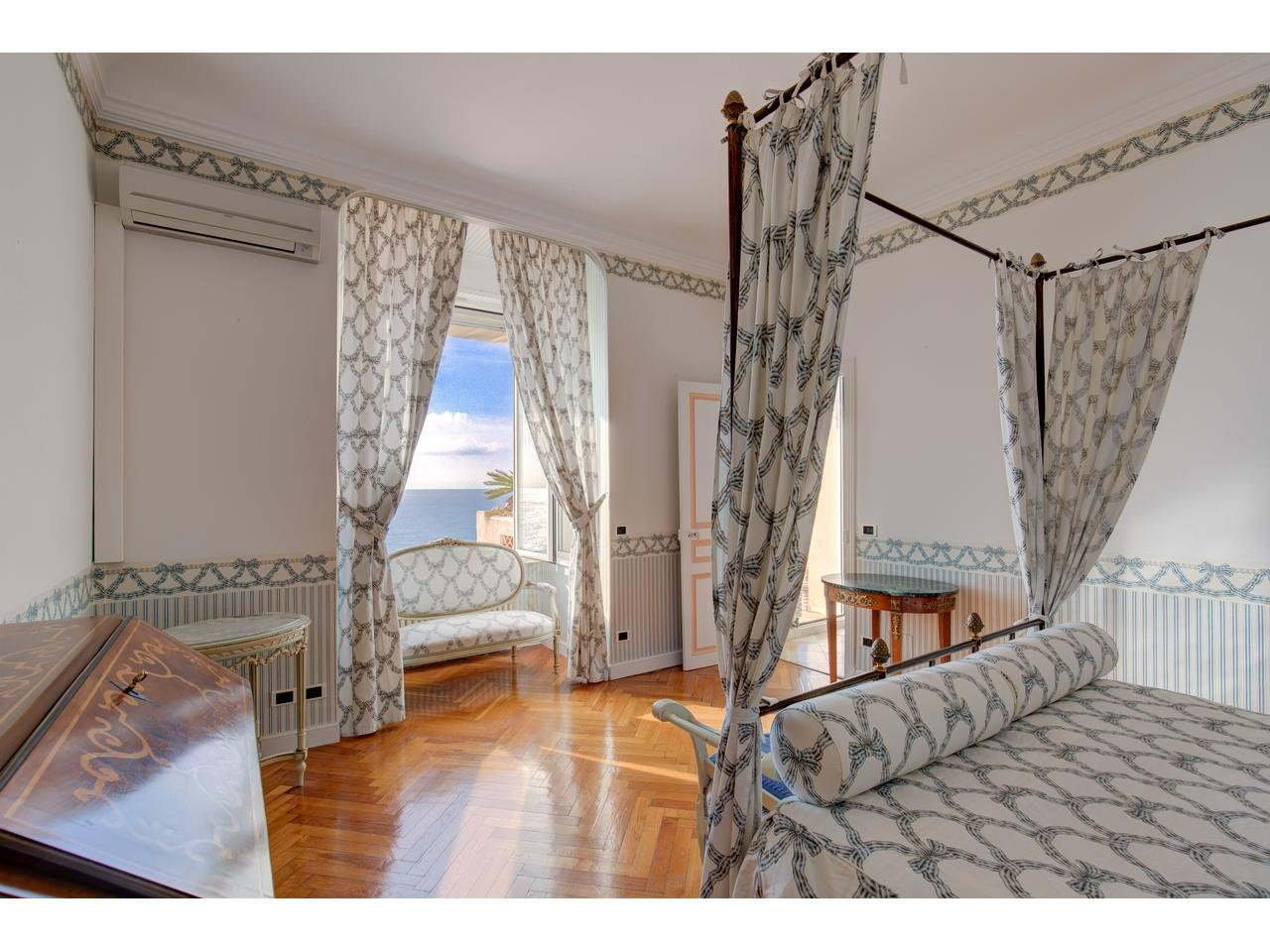 Maison  11 Rooms 350m2  for sale  6 600 000 €