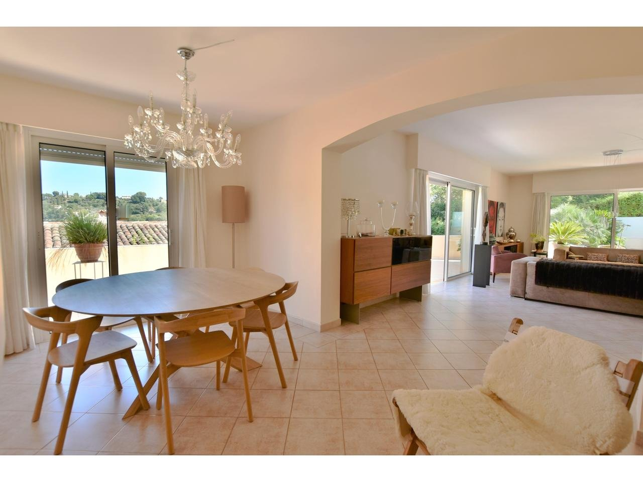 Maison  6 Rooms 220m2  for sale  1 095 000 €