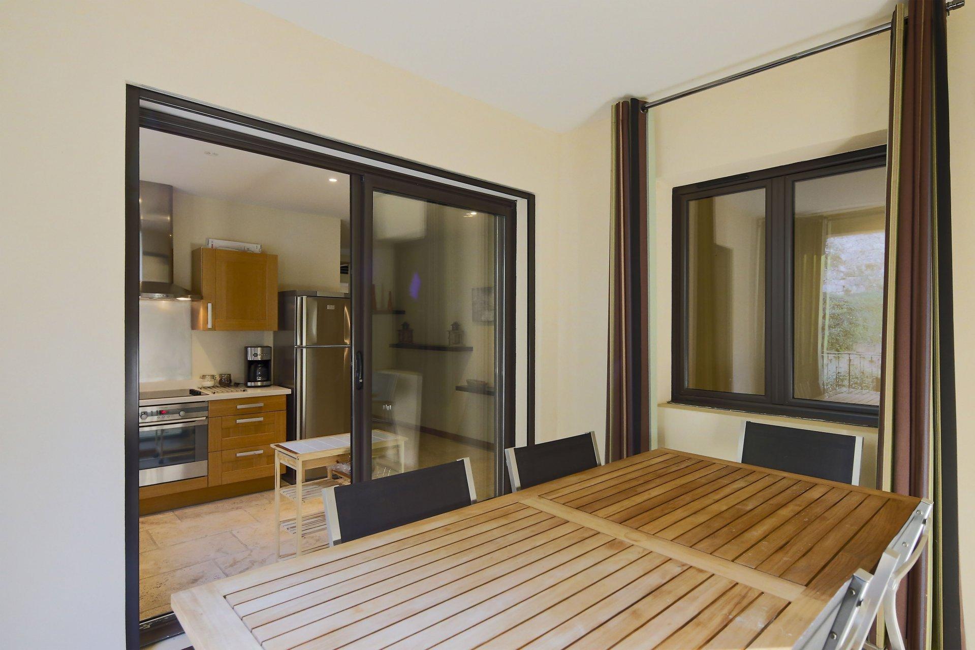 Appartement de standing, piscine chauffée Bonnieux