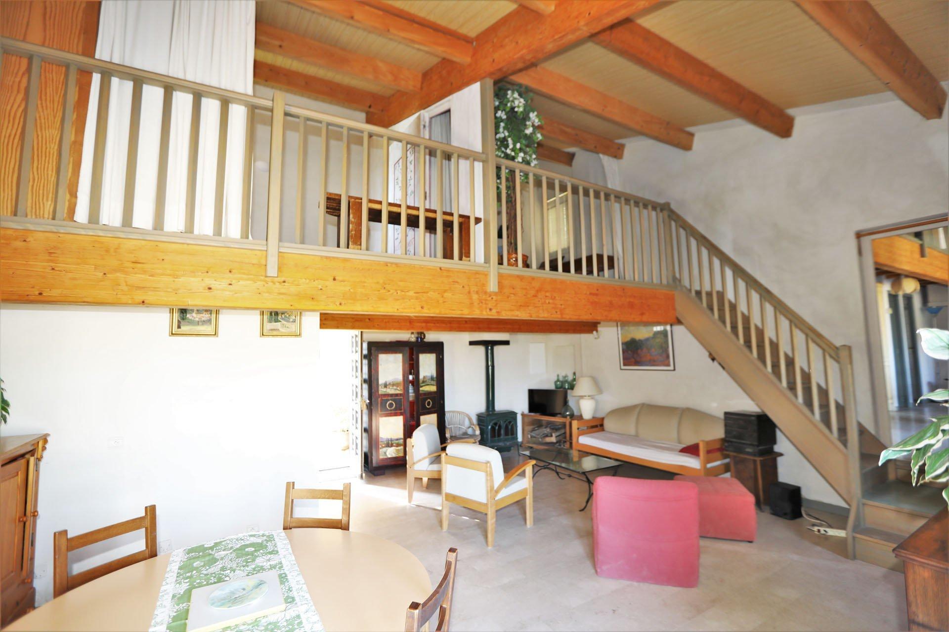 Villa et gites face au Luberon