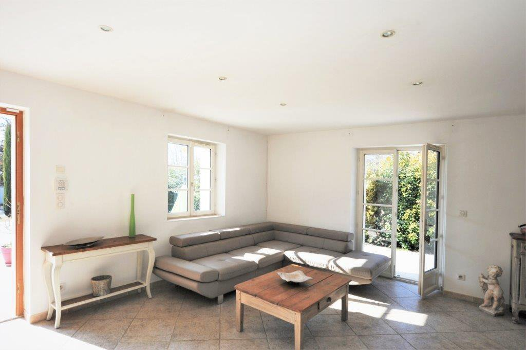 Gordes, Villa en pierres avec piscine