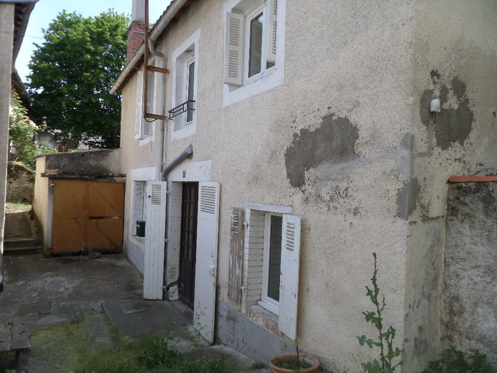 Town house close to the river with everything on your doorstep