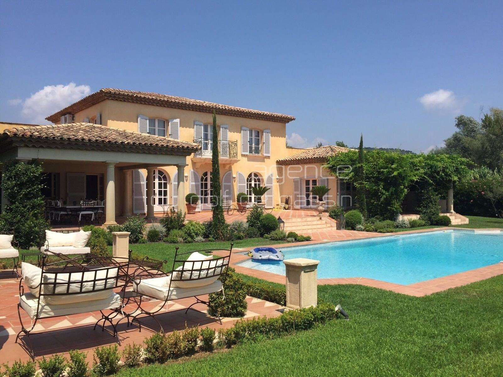 Stunning house In Grimaud 5 bedrooms