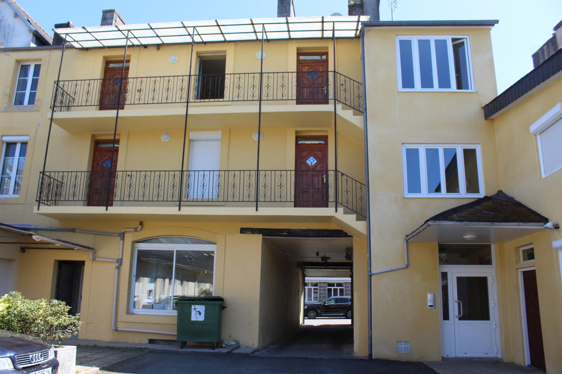 CARHAIX-PLOUGUER : Appartement centre ville
