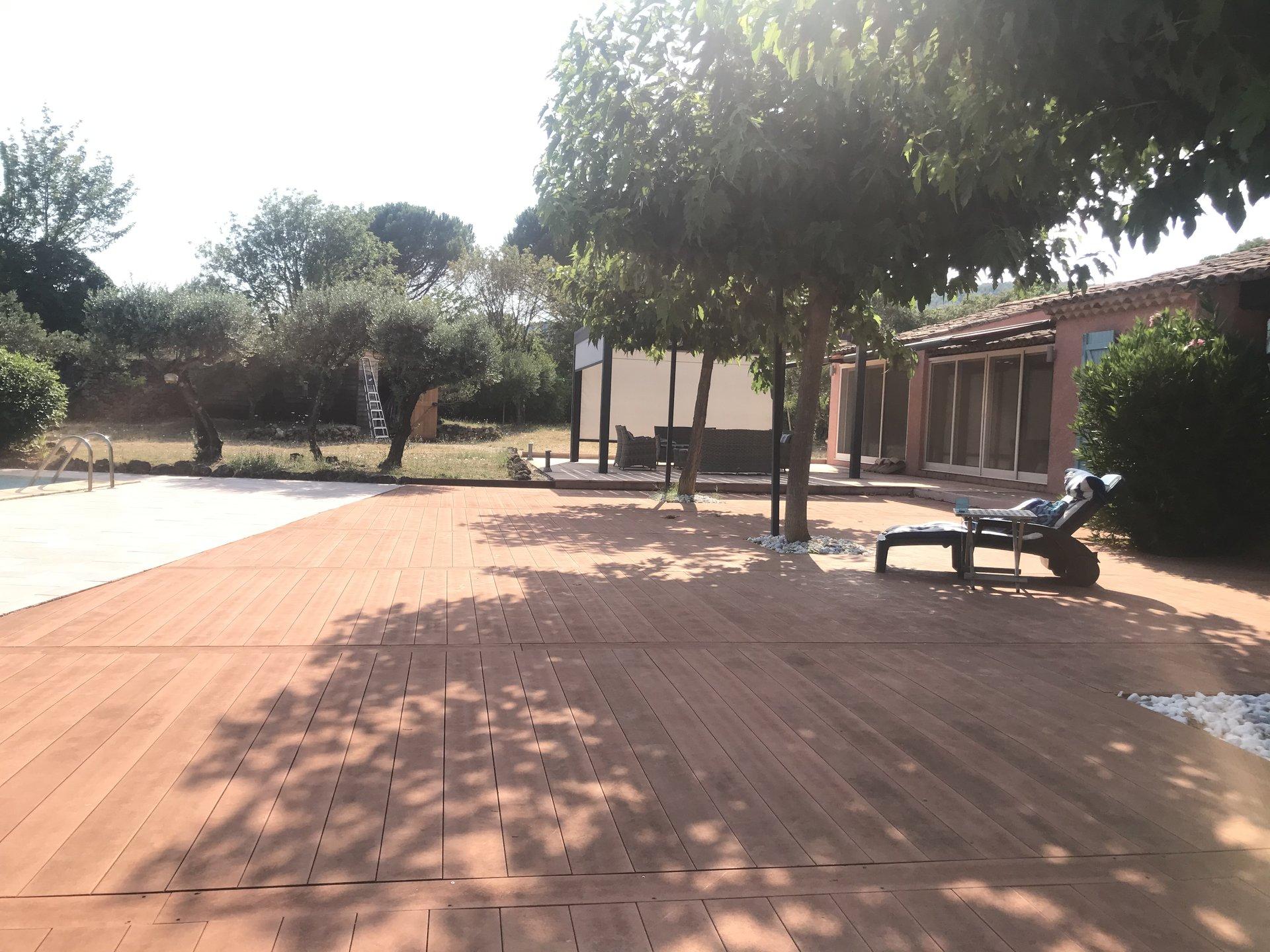 COTIGNAC Propriété dans un parc arboré de 5600m²