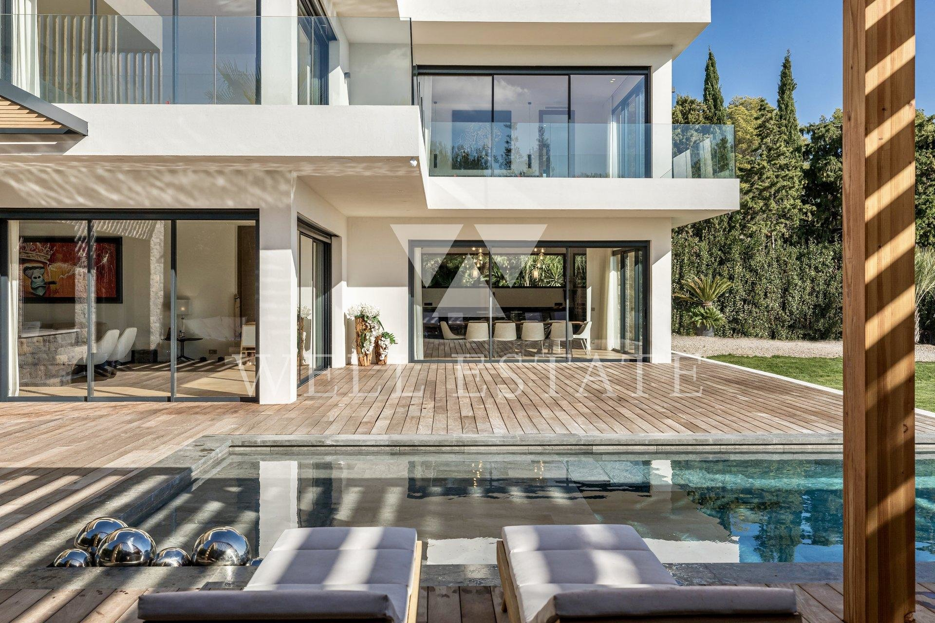 MOUGINS NEW CONTEMPORARY VILLA 720M2 ON 2900M2 LAND HEATED INFINITY SWIMMING POOL AND MINI GOLF