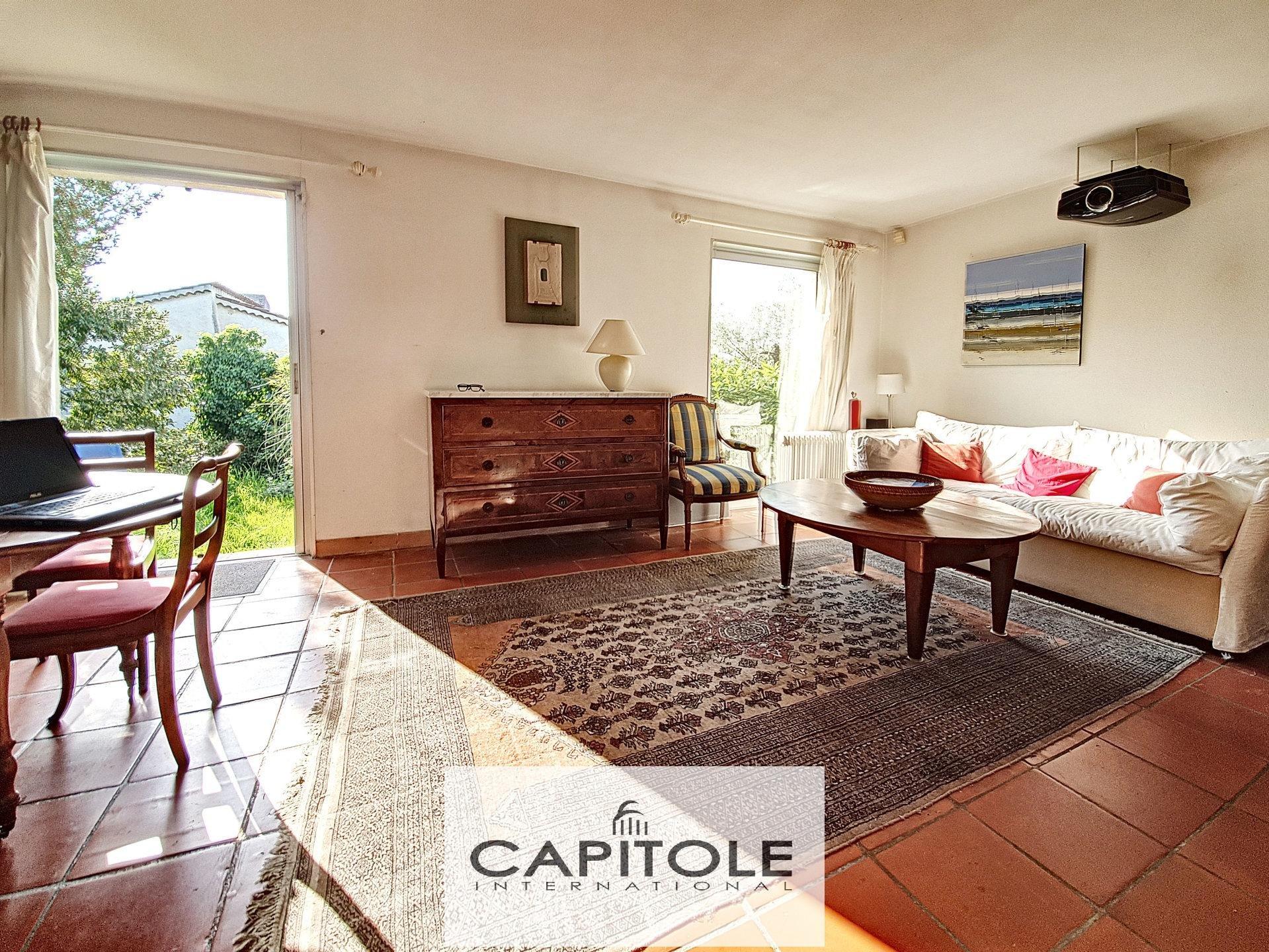 A vendre, Antibes résidentiel, villa 3/4 pièces, calme absolu, résidence avec piscine, jardin sud-ouest