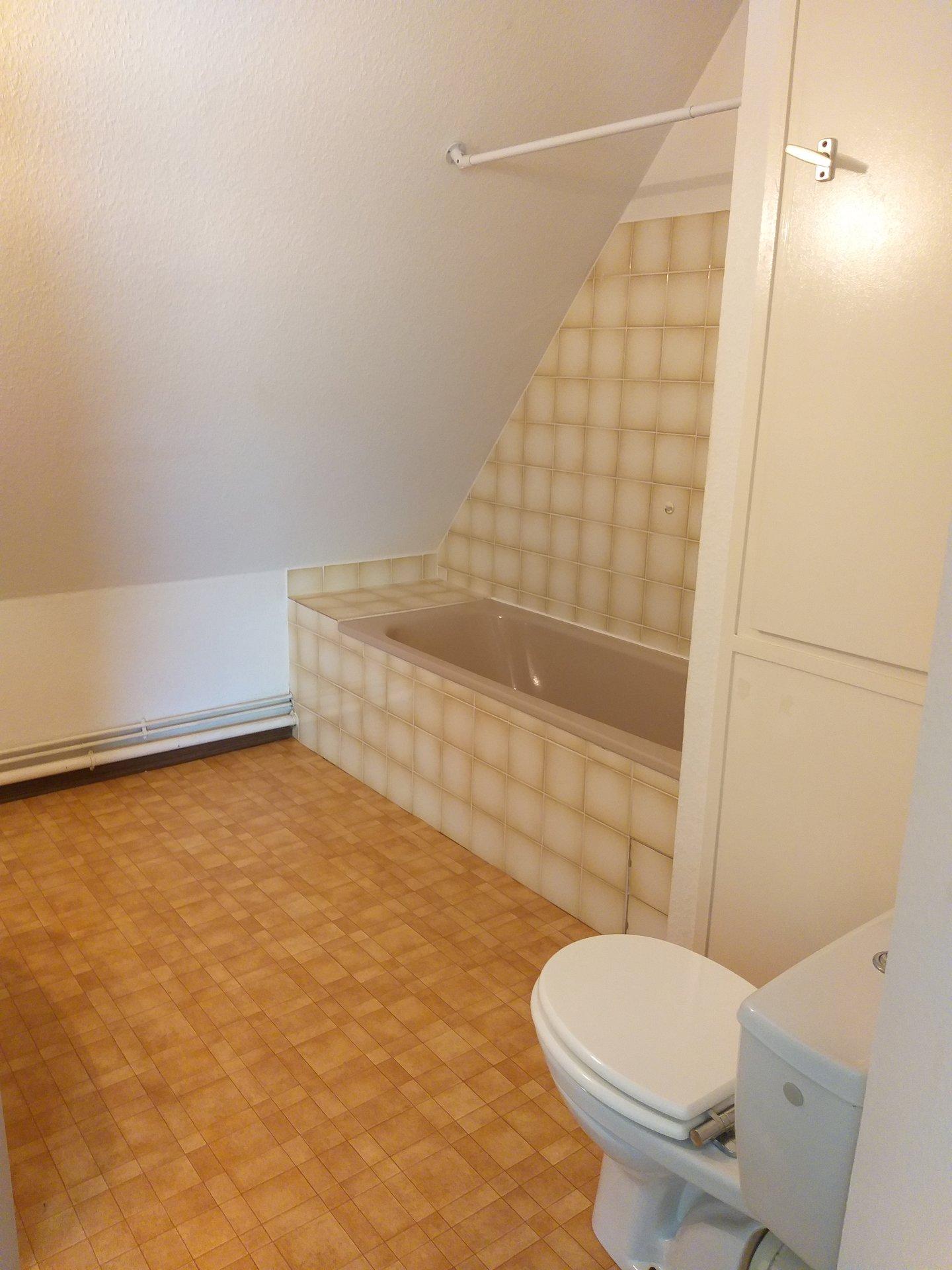 Obernai : 2 pièces dernier étage !!