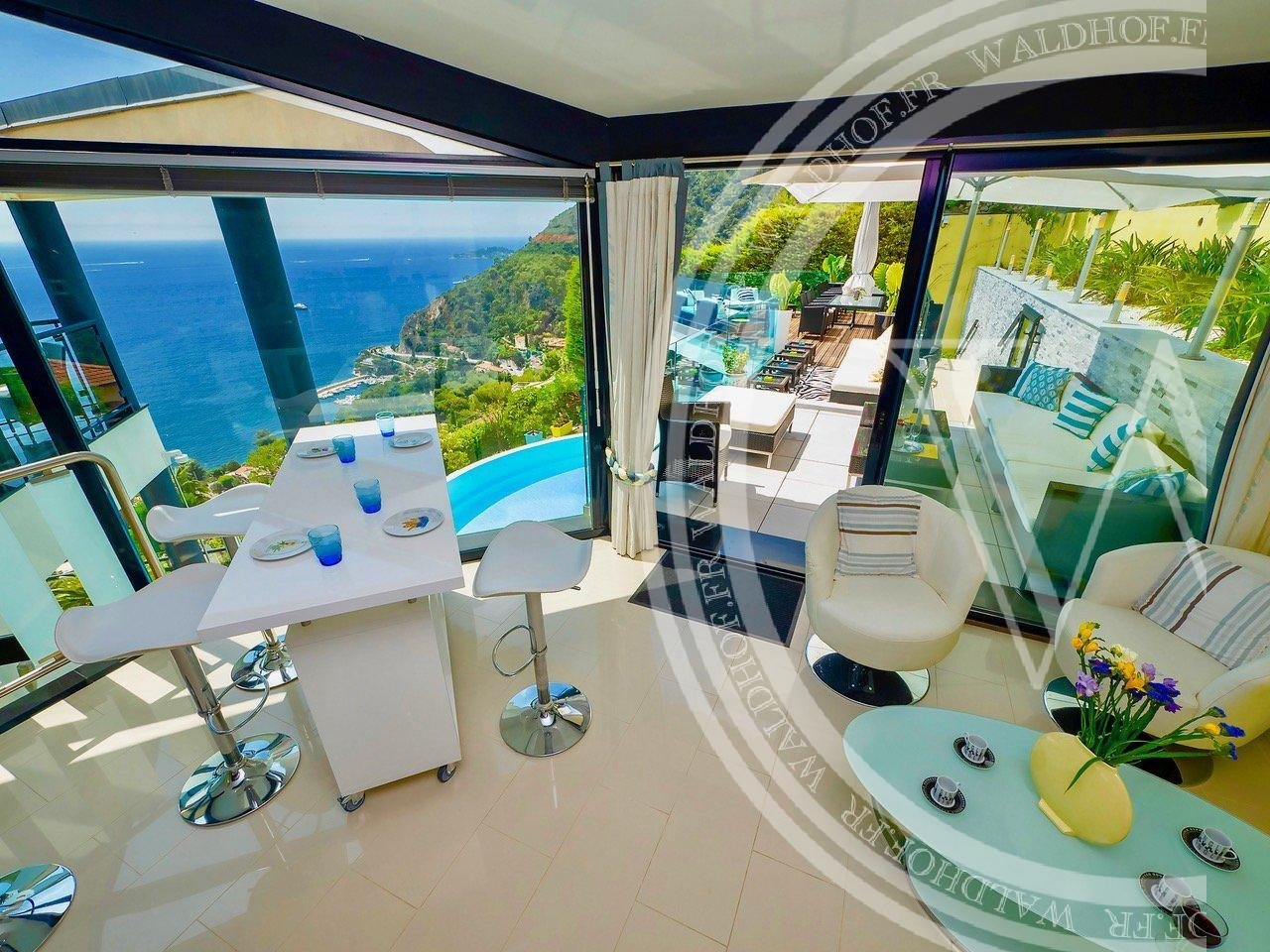 Contemporary villa in Eze