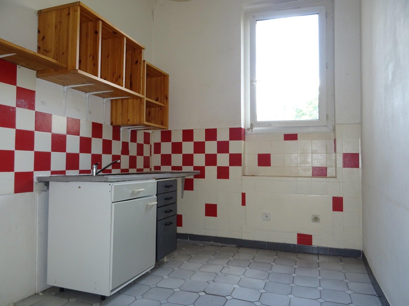 Bonnefoy, T2 de 50 m² avec terrasse.