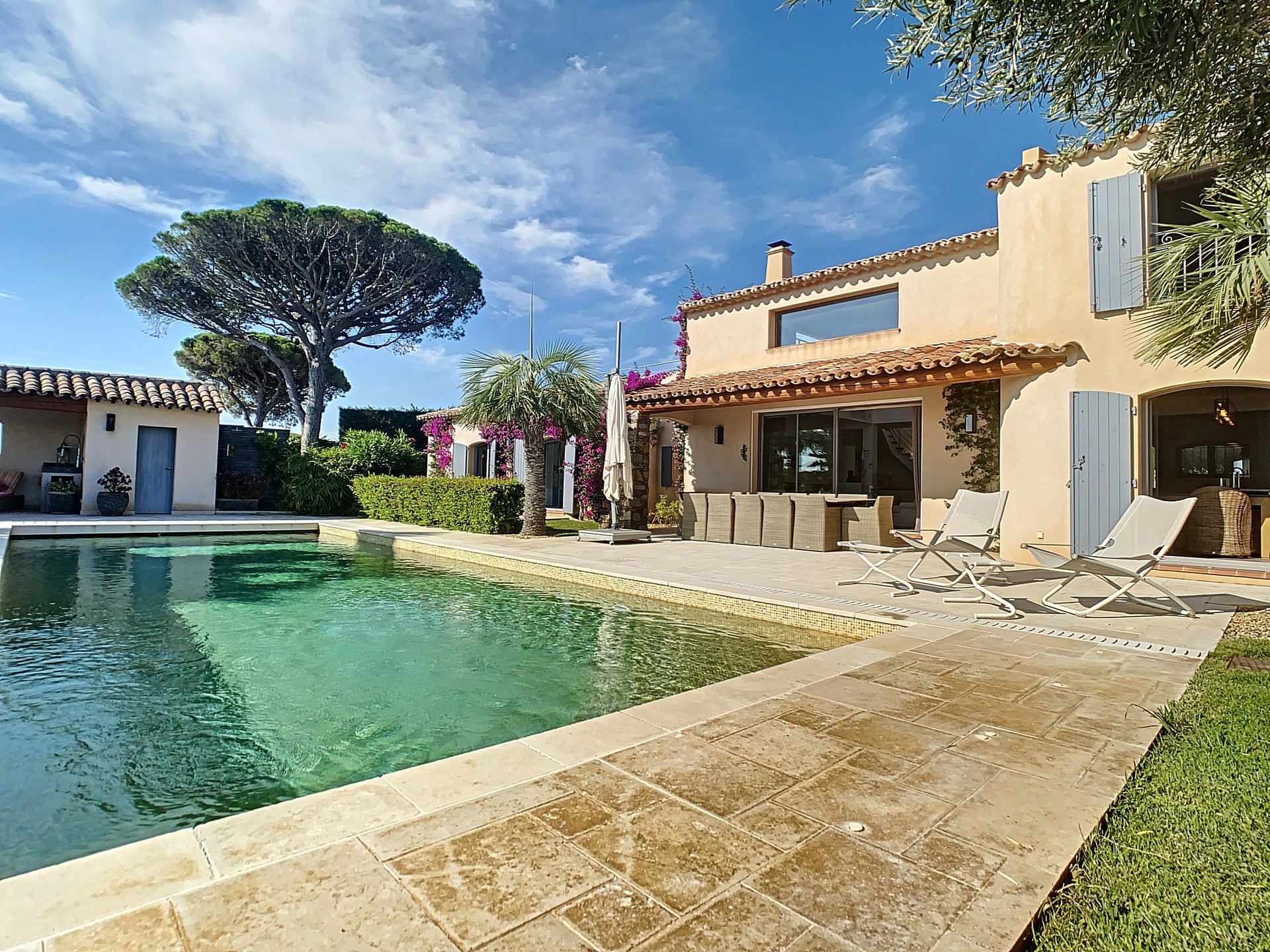 Te koop prachtige villa met mooi zee zicht in Sainte Maxime
