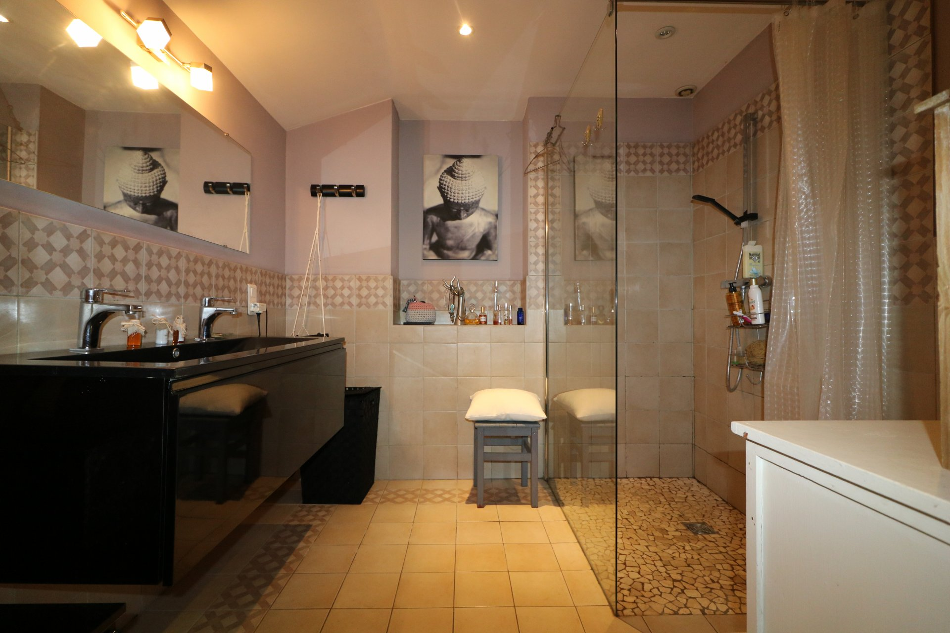 CANNES NEAR CITY CENTER, LARGE ONE BED ROOM FLAT  IN PEACE