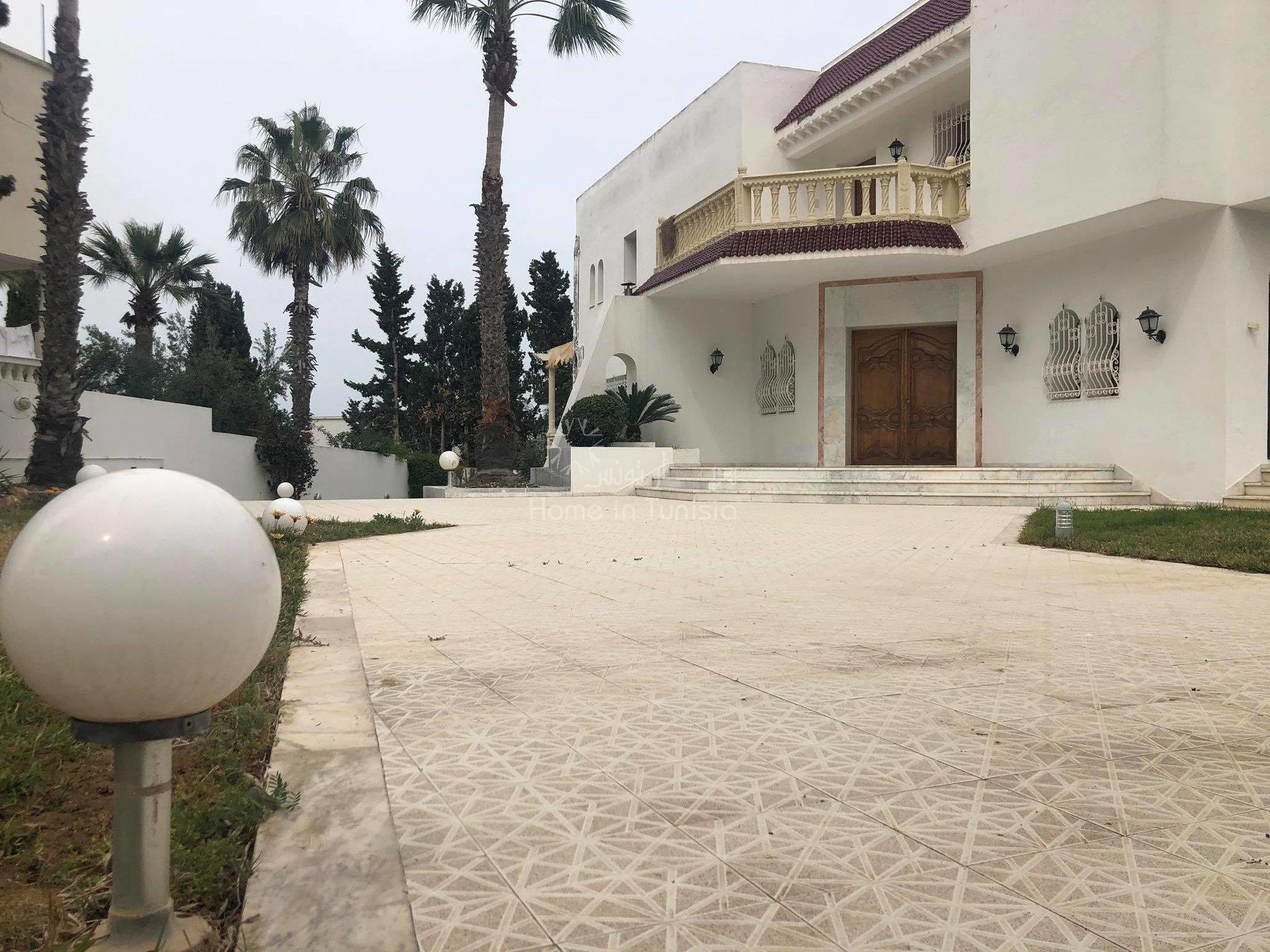 Villa moderne indépendante