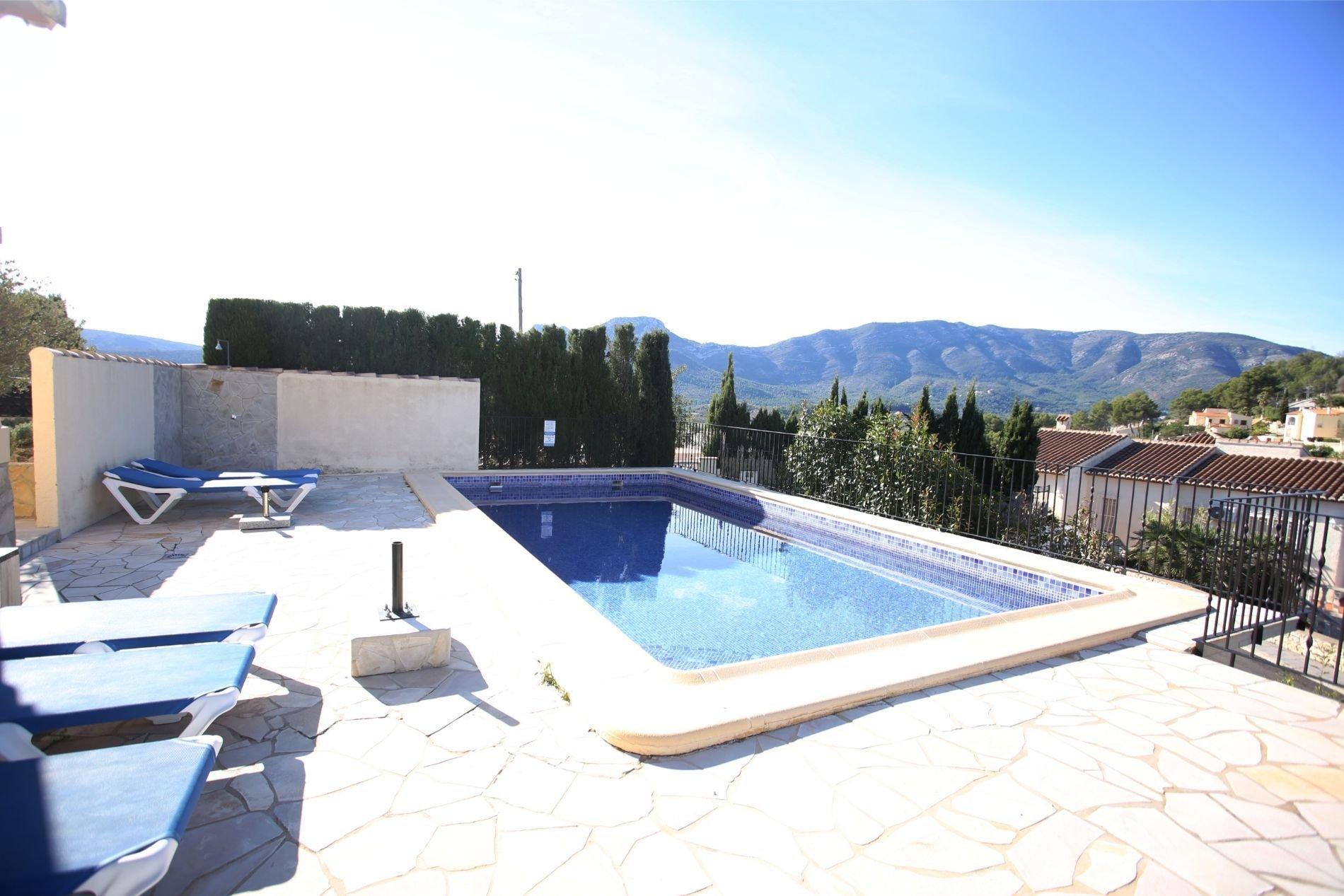 Modern ingerichte villa met prachtig zicht