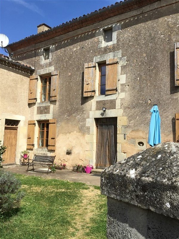 Spacious, Stone Village House for Sale in Luchapt - Vienne