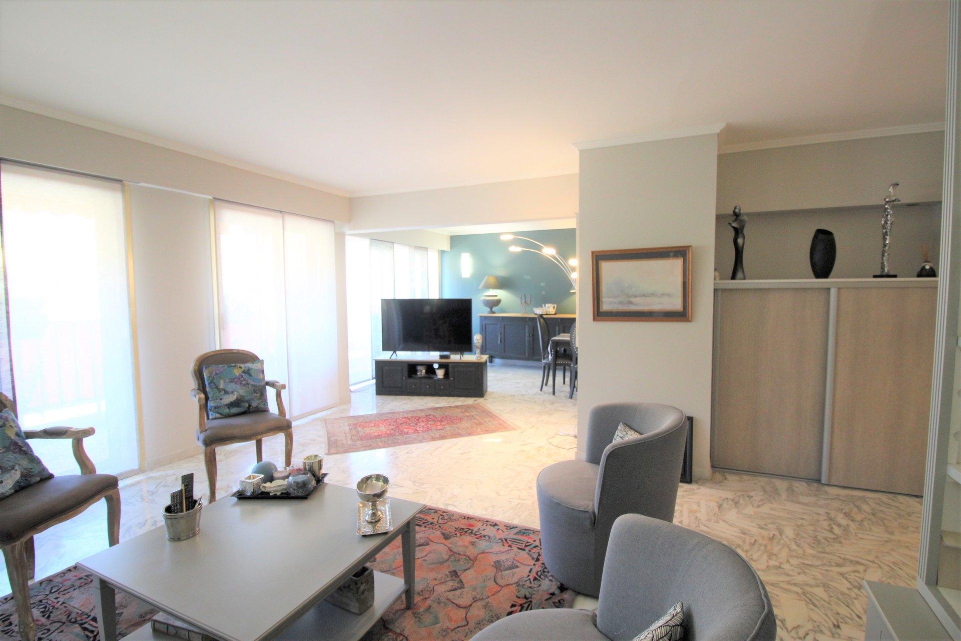 Appartement 4/5 Pièces 139 m² Square Carnot étage élevé