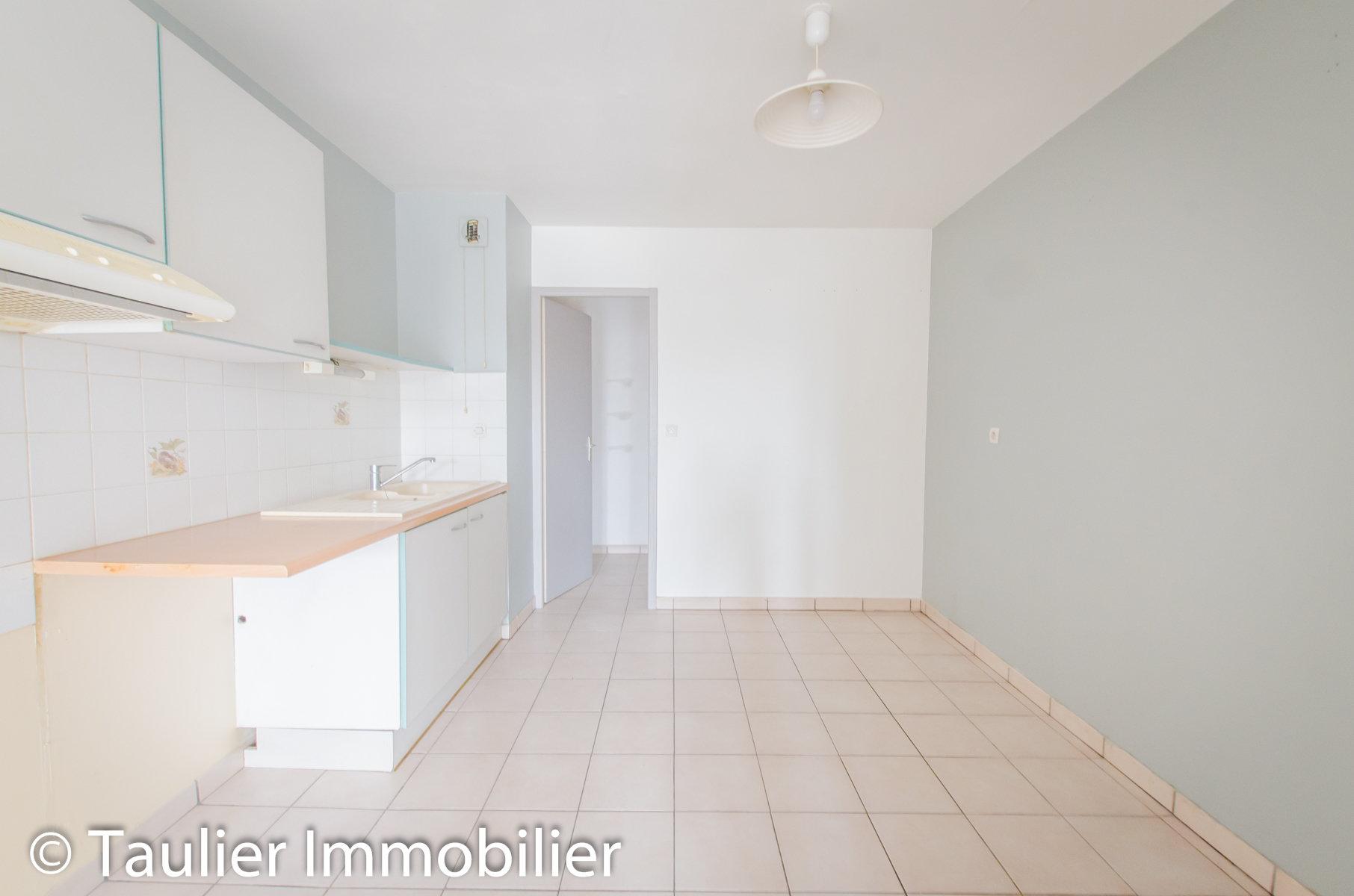 Appartement T4, 88m² avec parking, vendu loué