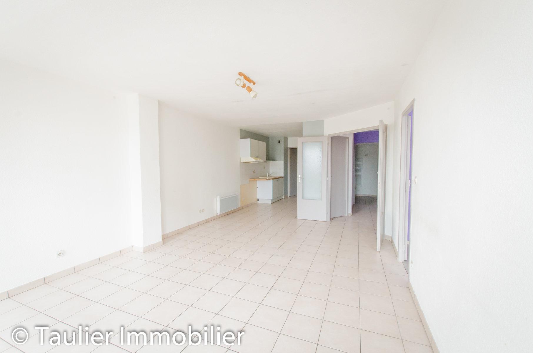 Appartement T4, 88m² avec parking sur l'immeuble