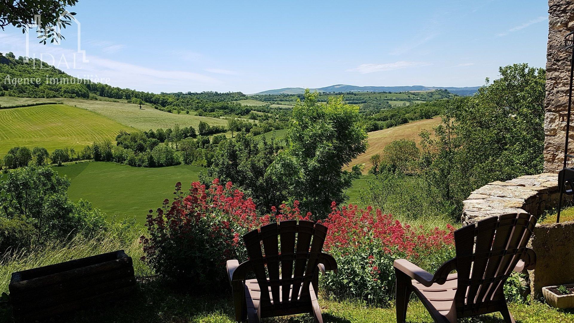 Corps de ferme 360 m² à 10 mn de Severac d'Aveyron