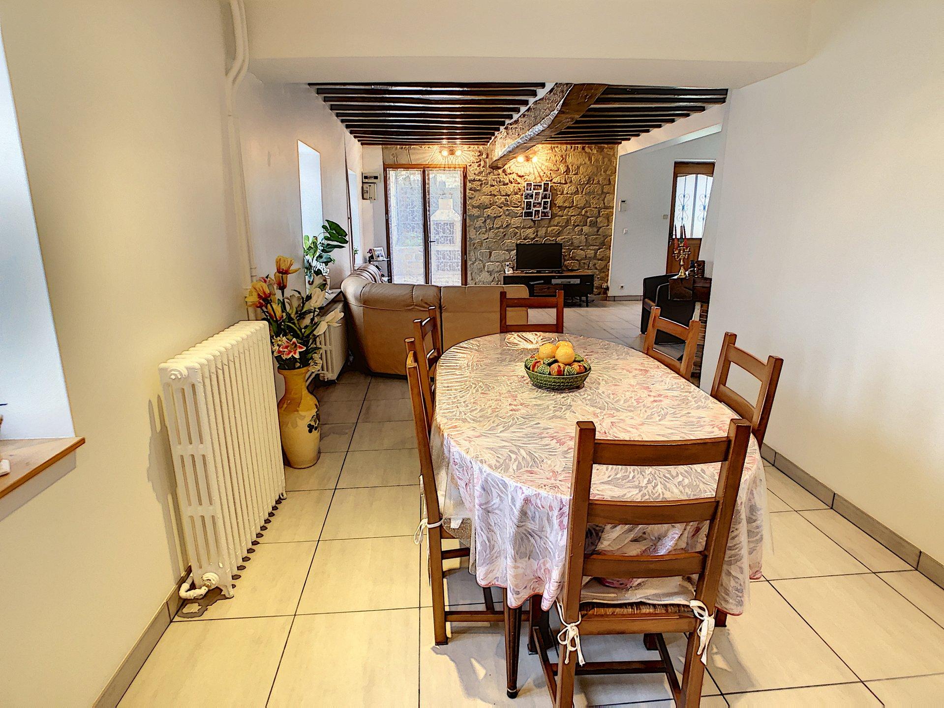 Maison  6 pièces 130 m²
