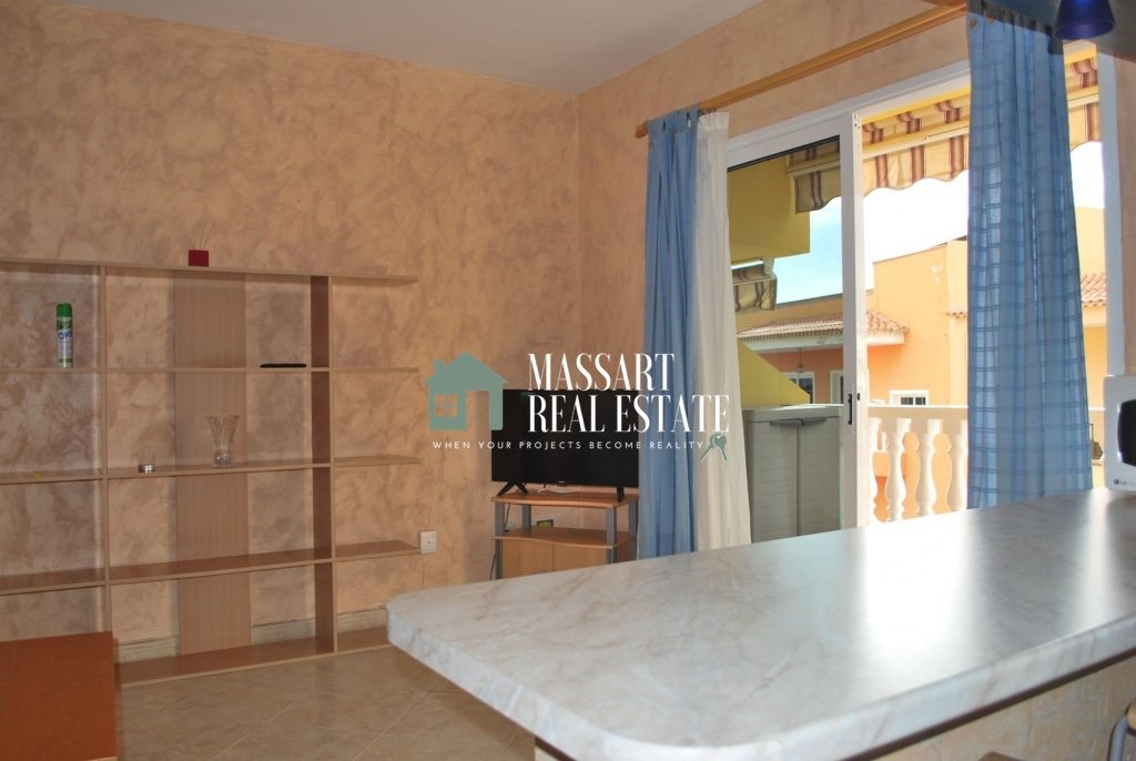 For sale in the central area of Adeje, a furnished apartment of about 57 m2 located in a building characterized by its good state of preservation and its tranquility.